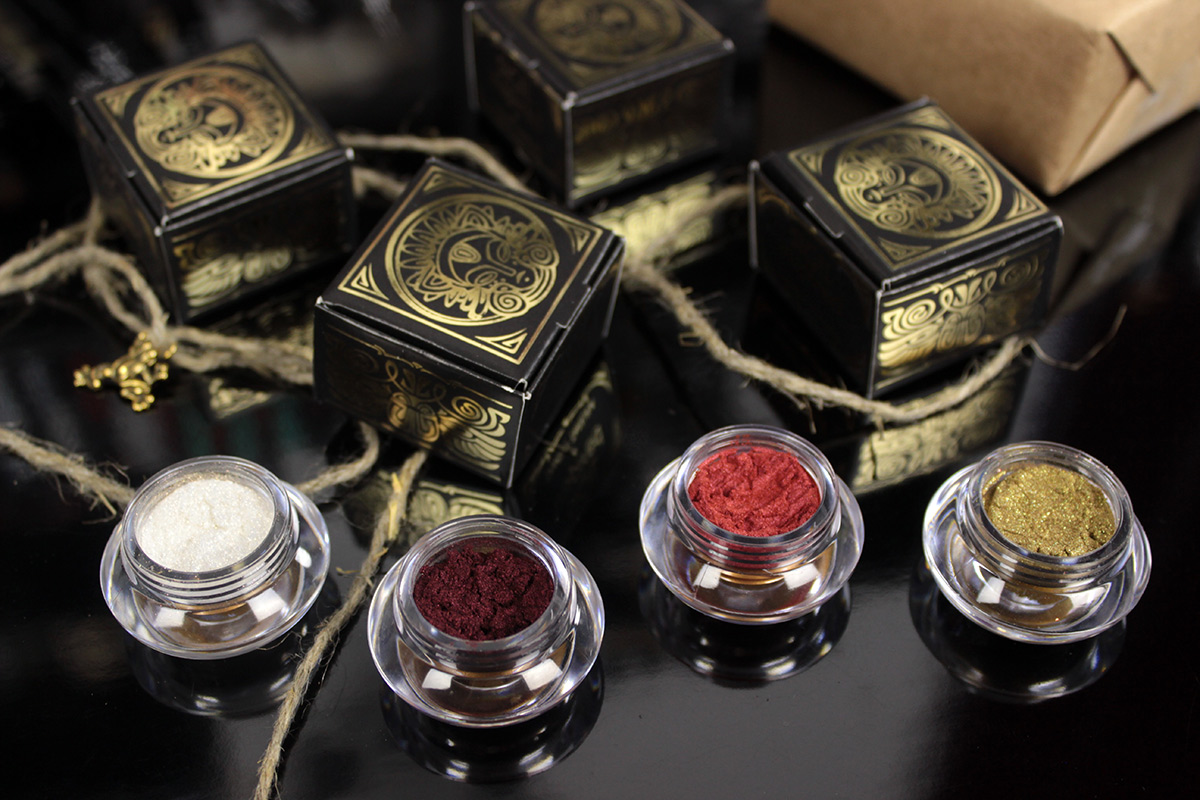 Tammy Tanuka pigments