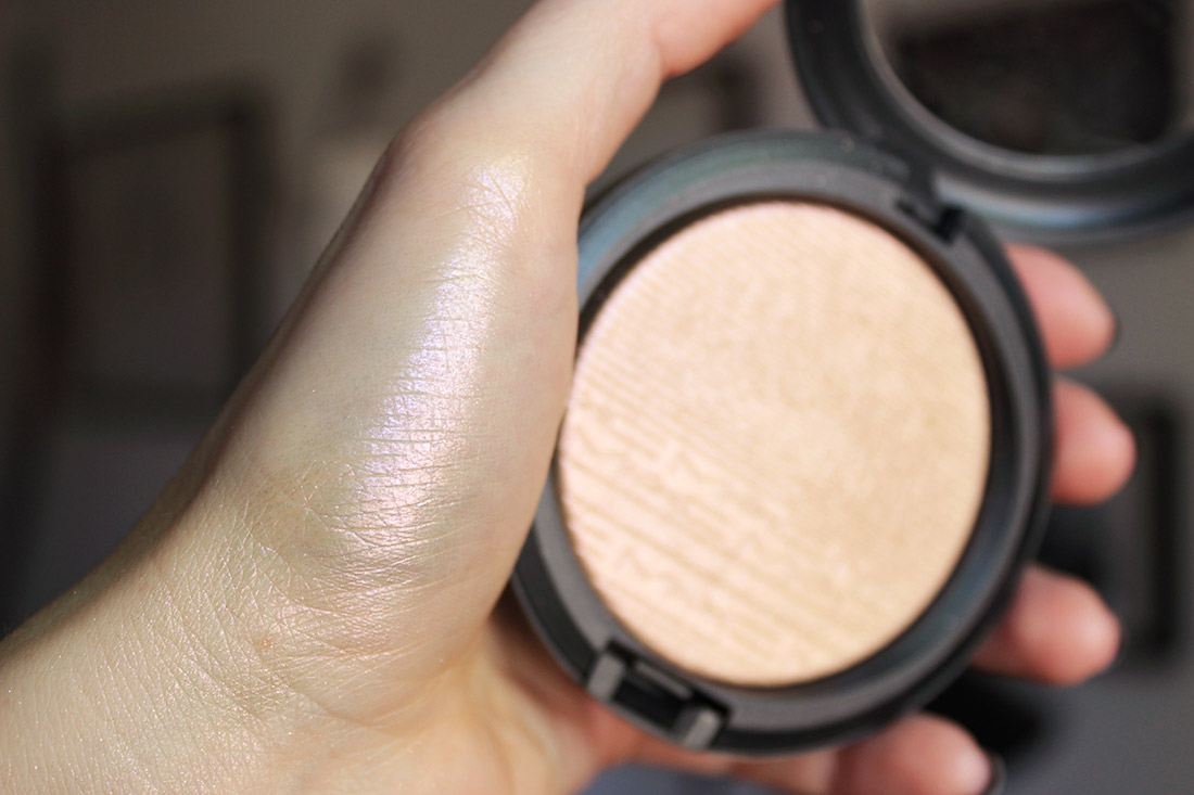 MAC Extra Dimension Skinfinish - SHOW GOLD