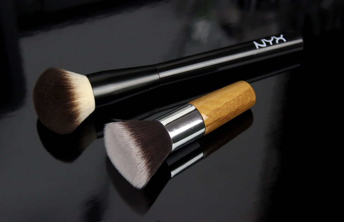 NYX Multi-purpose brush, / EVERYDAY MINERALS Flat Top kabuki