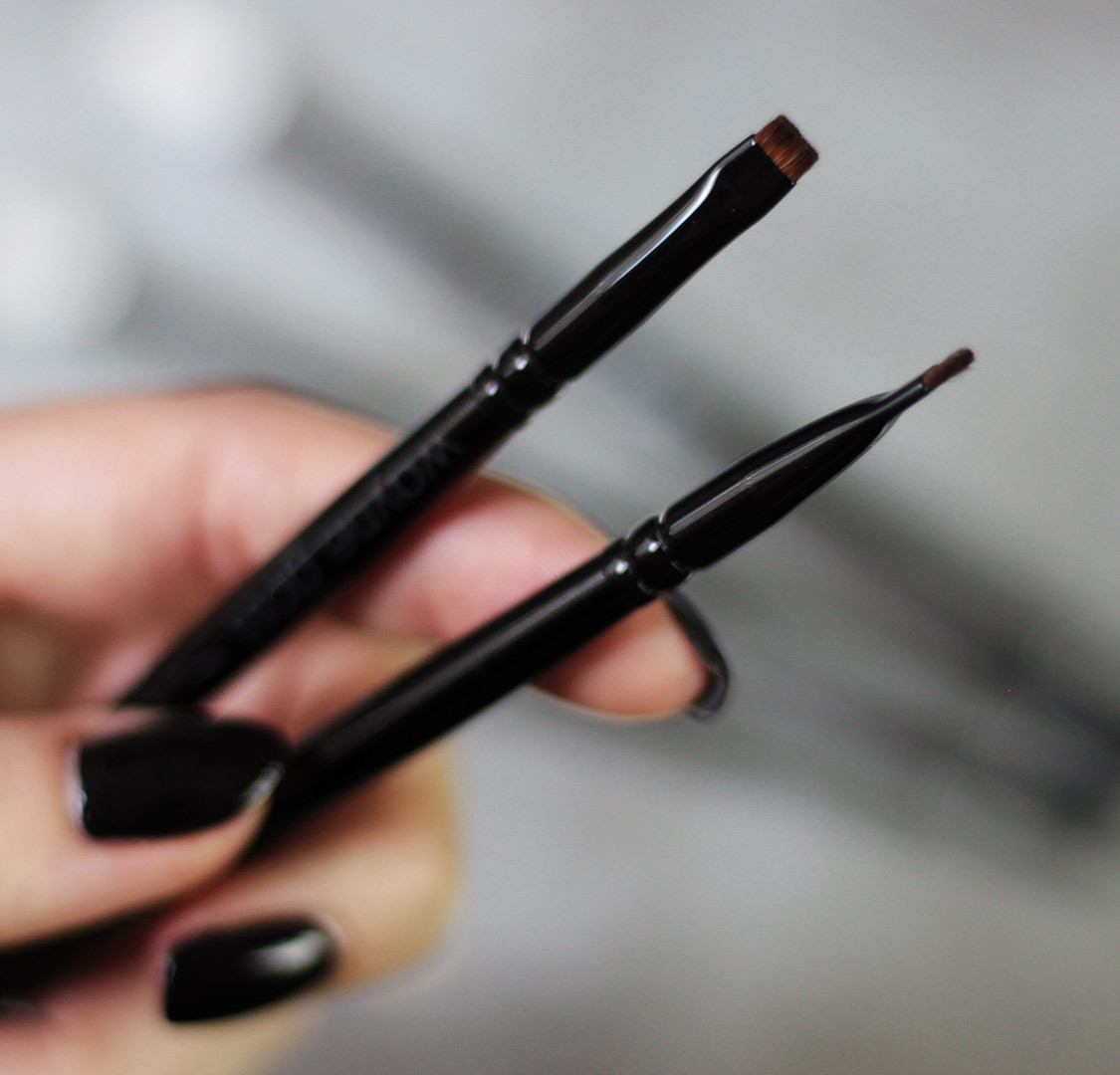 WAYNE GOSS 08 brush